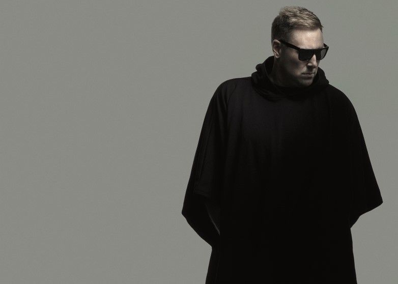 DJ UMEK OPENED THE KINGDOM OF ELECTRONIC MUSIC AND SPECTACULAR LIGHTS